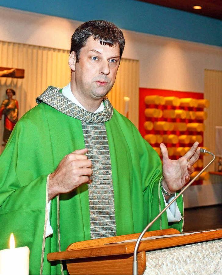 Katholischer Pfarrer, verheiratet, ein Kind