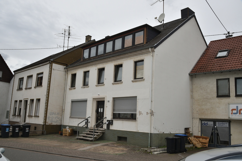 Hinweise kamen von Flüchtlingsheim-Mitarbeiter Terrorverdächtige in Saarlouis festgenommen