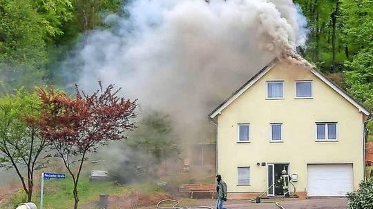 Wegen Zwangsräumung - Verbarrikadiert und Haus angezündet