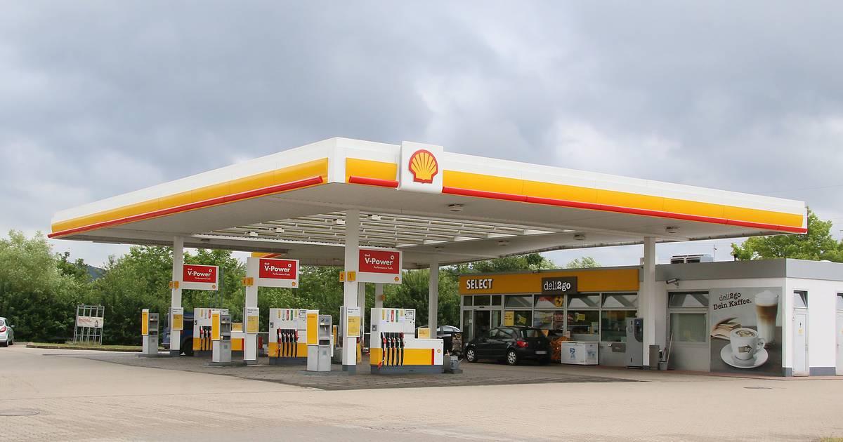 Wieviel blieb es des Benzins nach dem Anbrennen des Lämpchens übrig