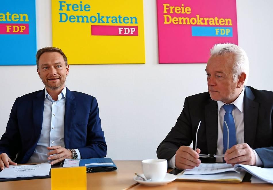 FDP-Chef Lindner fordert von Merkel mehr Entscheidungsfreude