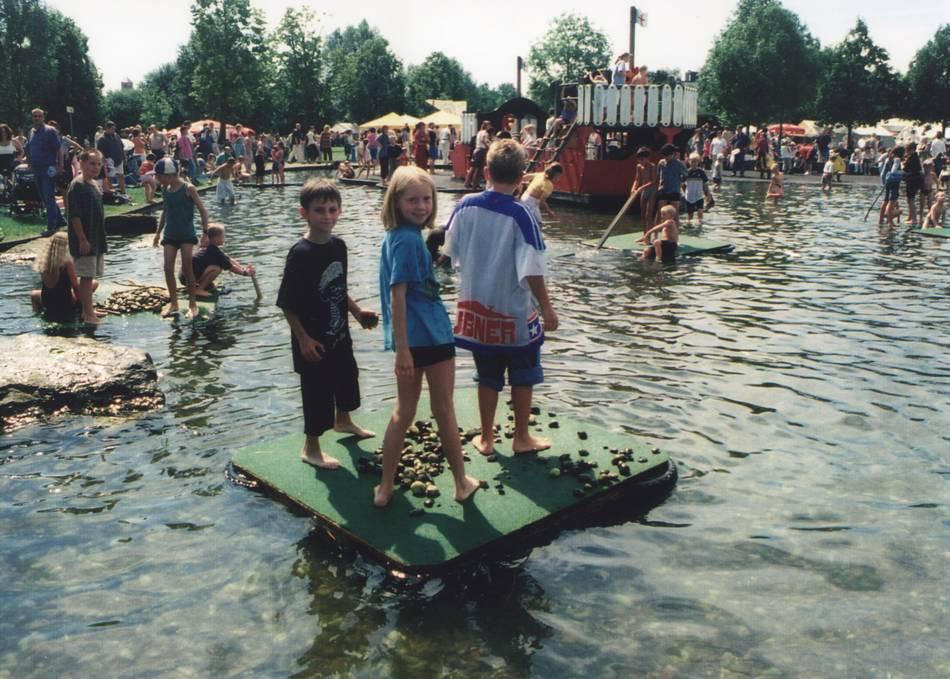 Homburg Stadtpark Spielschiff Wasserspielplatz