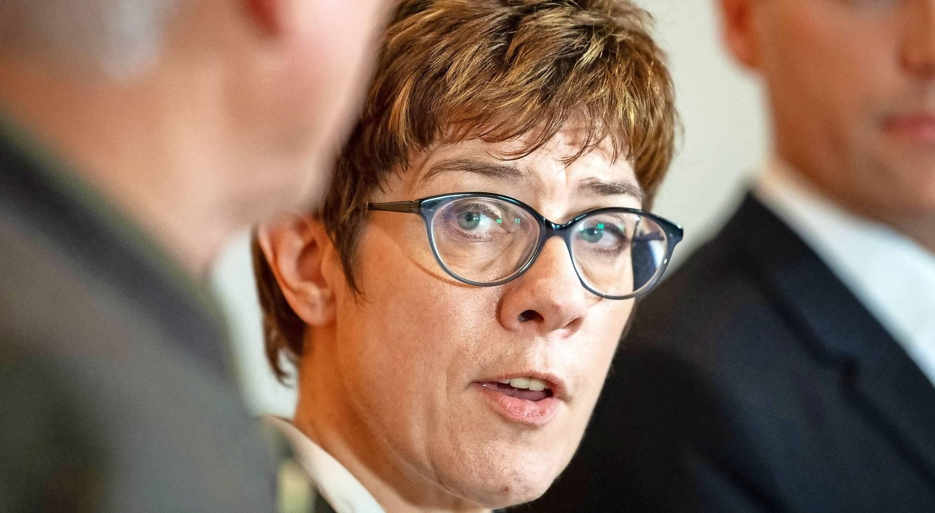 Politiker Mit Brille