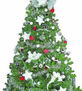 drei meter hoch ist dieser christbaum von sonja bier der mit kugeln sternen und - Christbaum Schmcken Beispiele