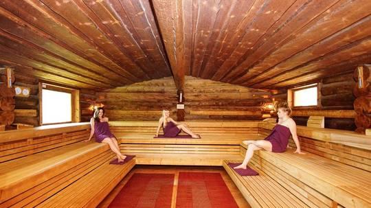 frauen sauna nacht im sauna vicus. Black Bedroom Furniture Sets. Home Design Ideas