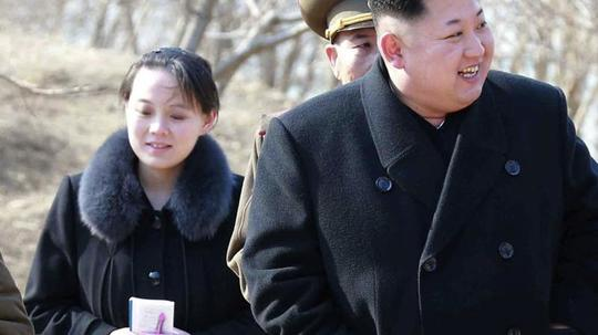 Kim Jong Un schickt seine Schwester Kim Yo Jong zu Olympia. Foto (2015): Uncredited/Korean Central News Agency/Korea News Service via AP Foto: Uncredited